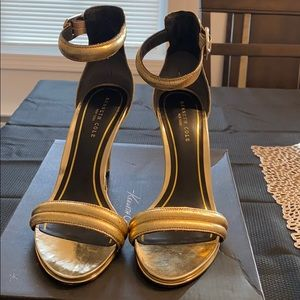 Kenneth Cole Gold Sandals Ankle Strap Size 8